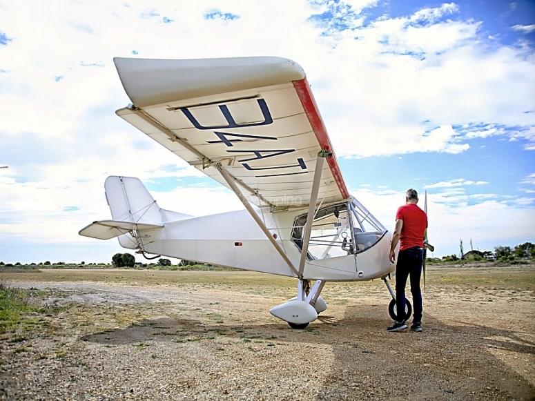 A light aircraft flight