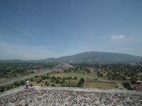 Flying over Teotihuacán in a balloon