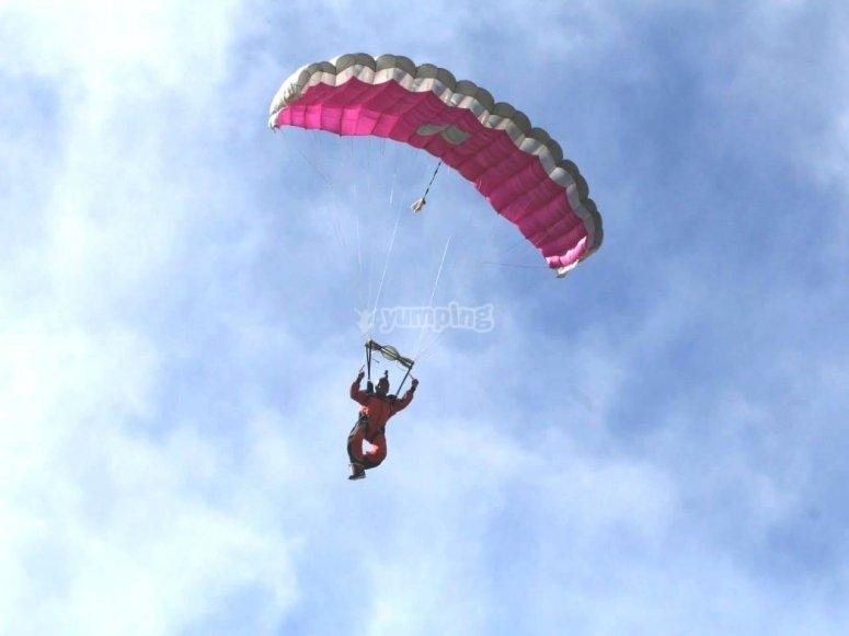 Aprendiendo paracaidismo en Apodaca