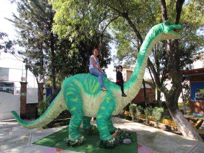 Premium show with dinosaurs
