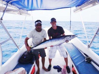 Pesca de troleo con nativos en Cancún 4 horas