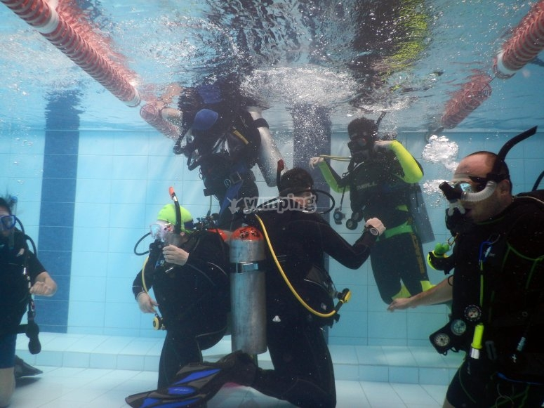 Teaching diving