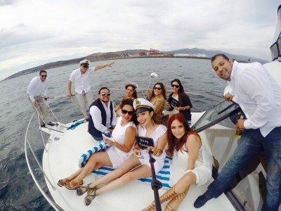 Pesca deportiva en yate por Ensenada