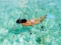 Nadando con snorkel
