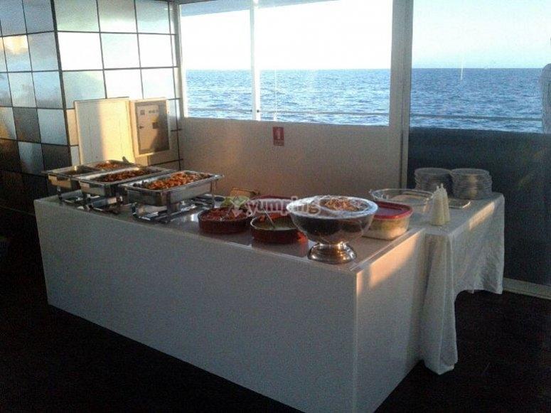 Cena en el barco