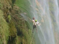 Assisted rappelling