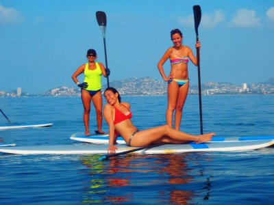 Paddle board in Acapulco for 1 hour