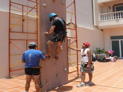 Climbing wall rental, 2 lifelines, Mexico City