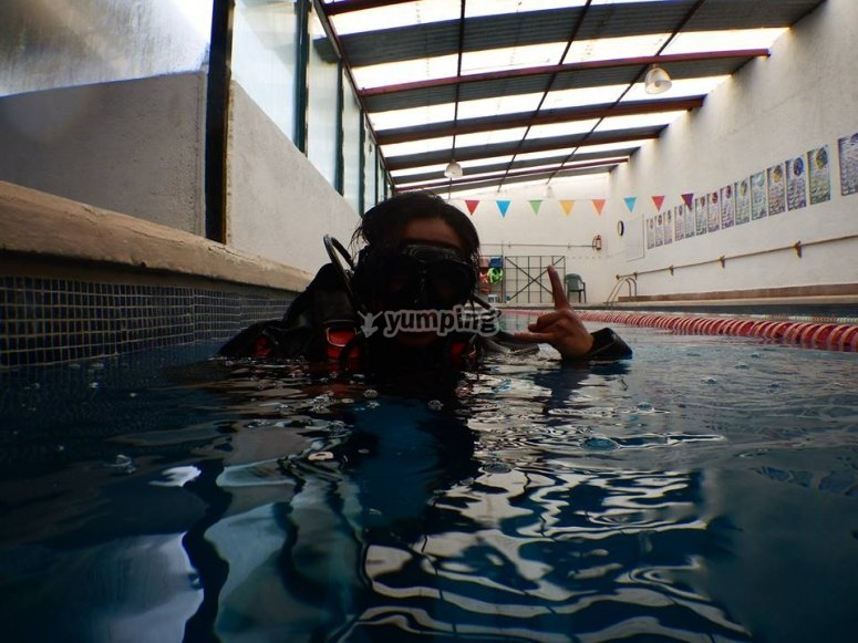 Confined water session
