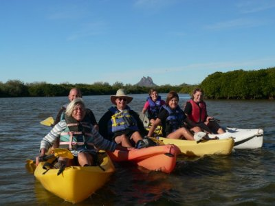 Rent a tandem kayak for 1 hour in Sonora