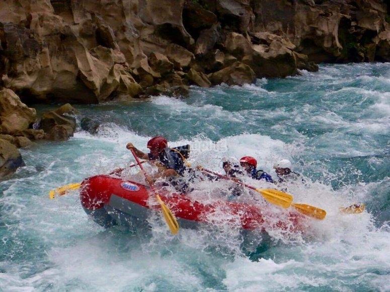 Rafting por el rio