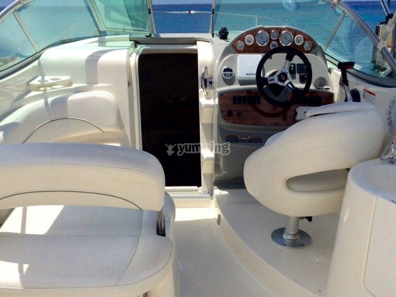 el interior de nuestra embarcacion.jpg