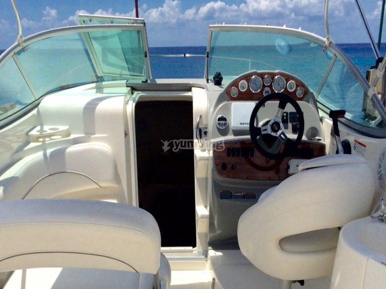 Interior del bote