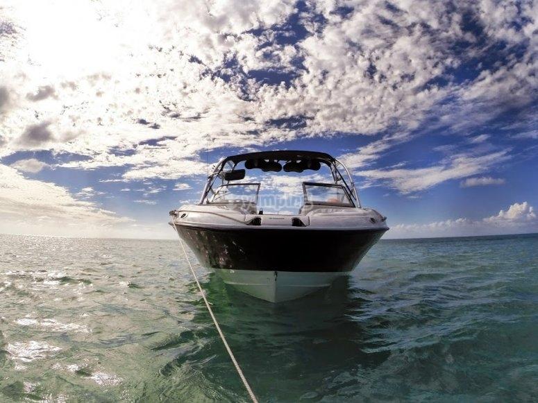 Lancha para navegar