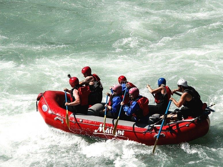 Rafting en el río la Jabalina