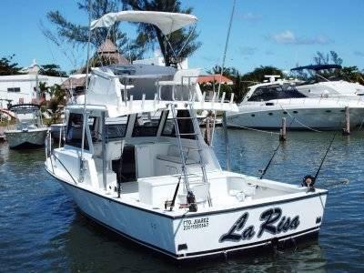 4 hours fishing yacht in Cancun