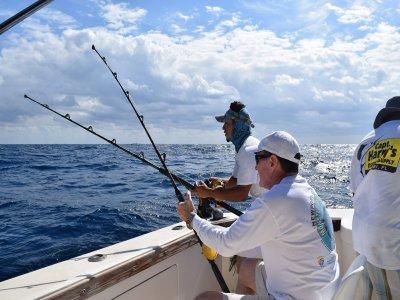 Pesca deportiva para 5 persona 8 horas en Cancún