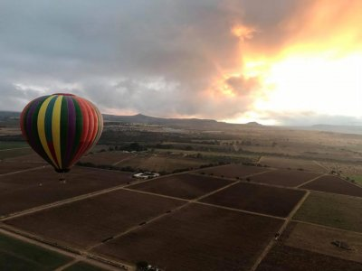 Hot air balloon ride + lodge, Tequisquiapan