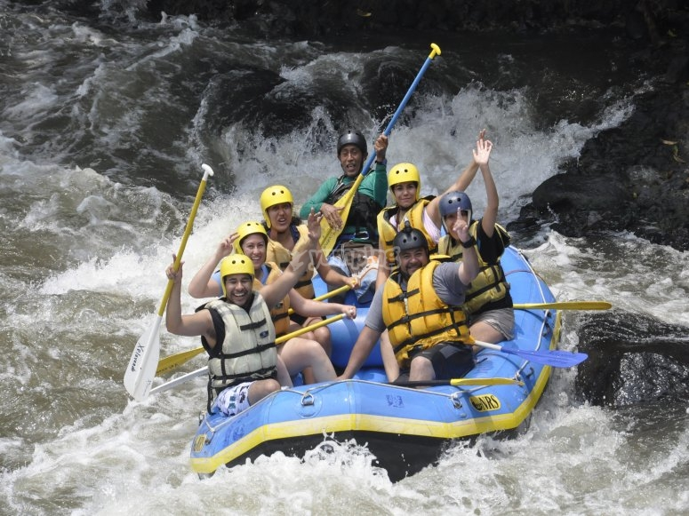 Diversion en el rafting