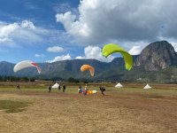 Learn to fly in paragliding