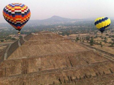 Balloon Flight High-altitude Adventure, Teotihuacán