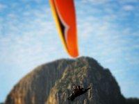 Performing paragliding flight