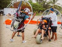 Learning to fly in a paramotor