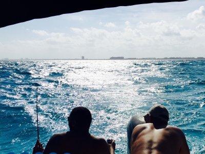 Pesca deportiva Ribereña y bebidas en Cancún 4 h