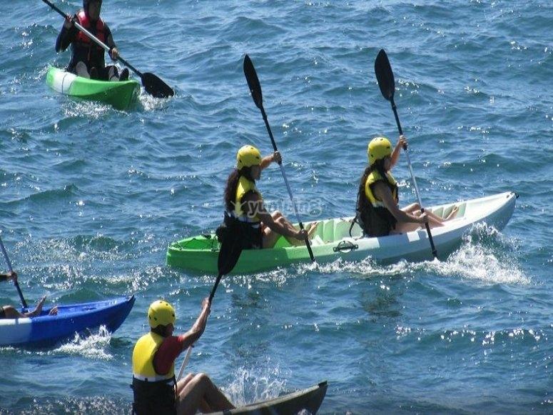 Diviértete a bordo de tu kayak