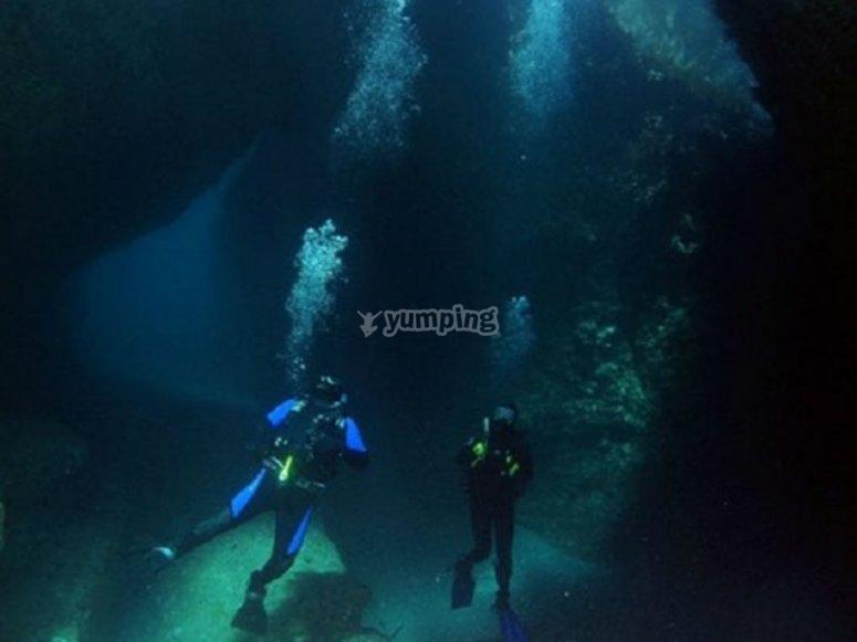 Conociendo el misterio submarino con grandes profundidades