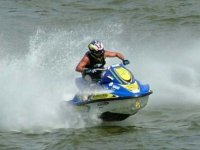 Dirección en moto de agua