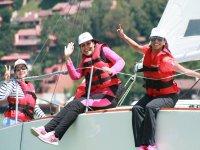Amigas durante el descanso en barco