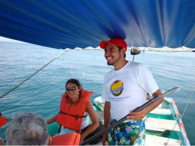 en el barco por platanitos.