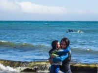 alegría en clases de surf