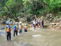 Atravesando un rio