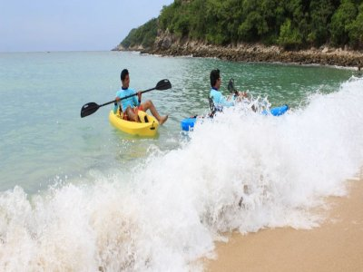 Kayaking in the bays of Huatulco