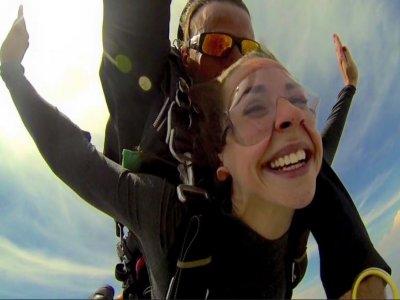 Salto en paracaídas en Querétaro con vídeo y fotos