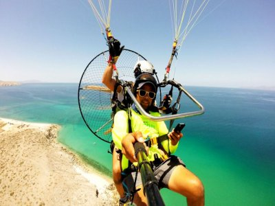 30 to 35 minutes motorized flight, La Paz