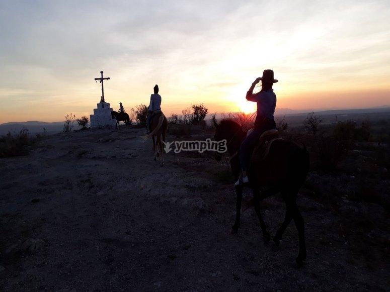 Cabalgata al anocher en San Miguel