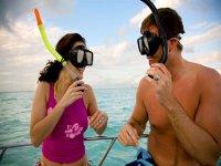Explorar el mar con snorkel