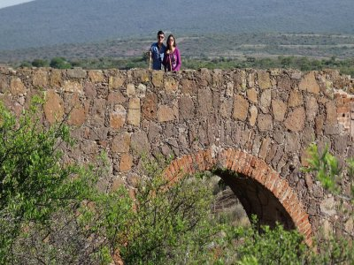 5h trek through the Tecozautla tunnels