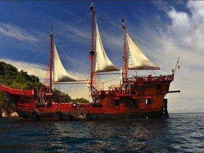 Pirate boat trip in Puerto Vallarta 6h