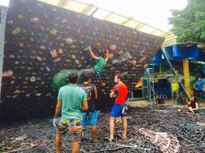 12 months access to climbing wall, Guadalajara