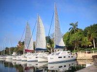 Sailboat trips in the Caribbean Sea