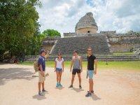 Guide in Chichen Itzá