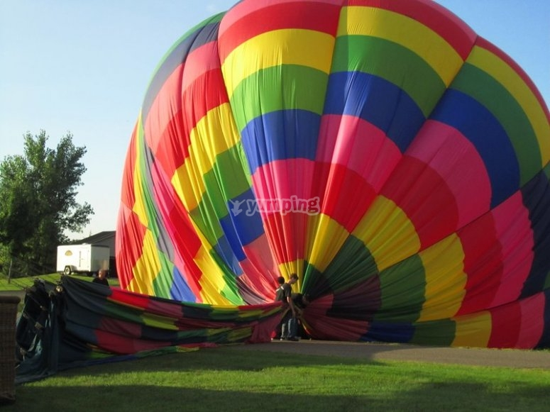 Fly in a hot air balloon