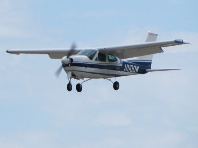 Light Aircraft flight Cessna 177 Mexico 30 minutes