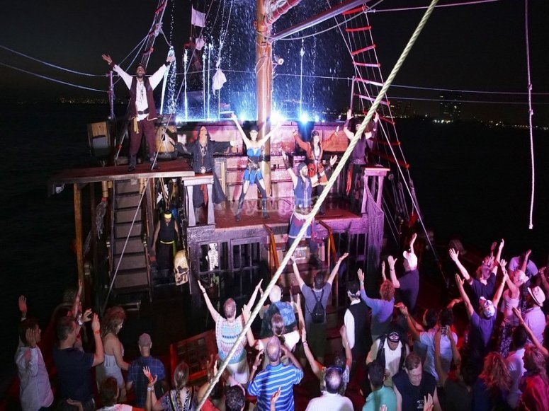 Show pirata en Puerto Vallarta
