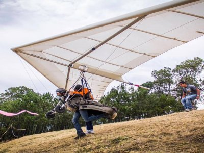 Hang-gliding flight in Valle de Bravo 15 min