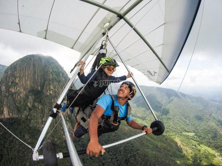 Flying in hang gliding for all ages